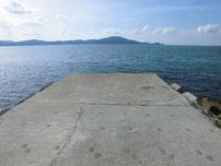 さわやか海岸 左側の波止の写真