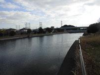 境川河口 橋の上流側の写真