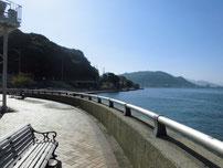 関門橋下 左側の写真