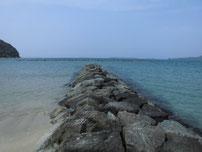 菊ヶ浜海水浴場 石波止の写真