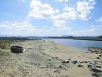 蓑島漁港 右横 砂浜の写真
