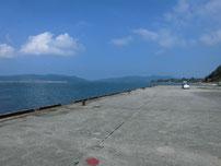 粟野漁港 護岸の写真