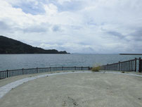 海水浴場の波止の写真