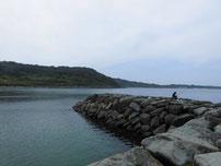 角島 牧崎手前の波止 先端付近の写真