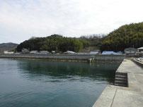 西浦漁港 右横の護岸の写真