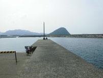 萩商港 内波止の写真