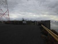 厚東川 立入禁止フェンスの写真