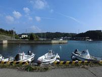 特牛漁港 神社周辺の写真