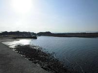 西八田漁港 港内の写真