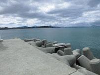 ②安岡漁港 外波止・外海側の写真