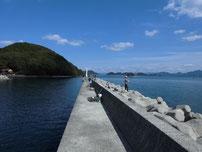 大日比漁港 外波止 先端付近の写真