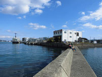 鶴田鉄工所横の波止 の写真