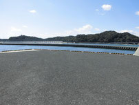 沓尾長井漁港 左側の写真