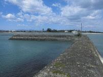 椎田漁港 波止の写真