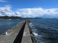 沖側の波止 外海側の写真