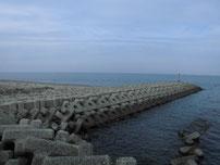吉富漁港 大波止・沖側の波止 の写真