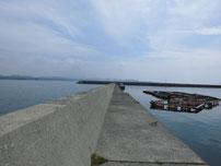角島 尾山港 横の波止の写真
