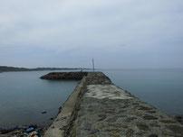 角島 牧崎手前の波止の写真