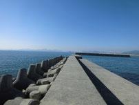 埴生漁港 外波止・先端付近 の写真