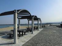 浜の宮海岸 休憩設備の写真