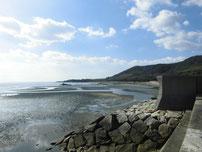 阿知須漁港 砂浜の写真