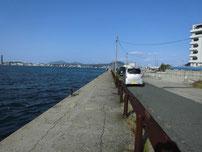 片上一文字 波止付け根の岸壁 の写真