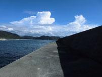 二見漁港 外波止・先端付近の内側の写真