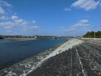 阿知須漁港 対岸の写真