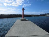 小串漁港 内側の堤防先端付近の写真
