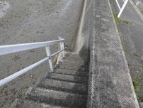 今川河口 階段の写真