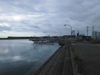 床波漁港 港内の写真