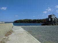 椿東 中小畑の護岸 護岸奥側の写真