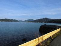 白潟漁港 右側の波止 横 の写真