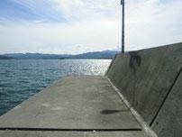 久原漁港 波止の写真