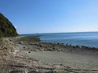 柄杓田漁港 左側の地磯の写真
