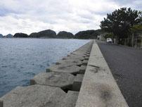 野波瀬漁港の右横野護岸 の写真
