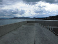 黄波戸漁港 右側 護岸の写真
