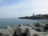 宇島漁港 外波止 右側の写真