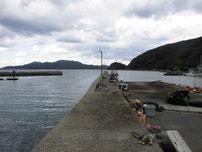 小島港 中央の波止の写真