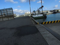西港 左側の写真