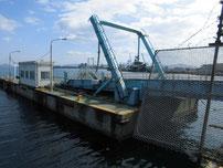 白島行フェリー乗り場周辺 浮き桟橋の写真