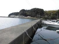 肥中漁港 波止の写真