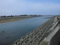 長峡川河口 下流側の写真