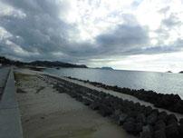 小串漁港ト川棚漁港の間の砂浜