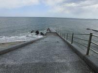 椎田干拓地海岸 中央付近 スロープの写真