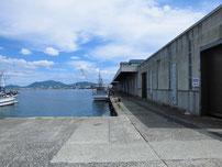 南風泊港 市場前の写真