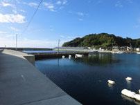 小串漁港 港内の写真