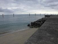 岬漁港 宇部空港側の波止付け根付近の写真