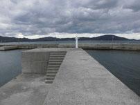 湊漁港 外波止の先端付近 の写真