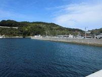 久津漁港 港内の波止